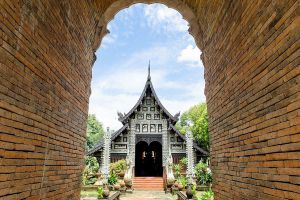 Wat-Lok-Moli-Chiang-Mai-Thailand-02.jpg