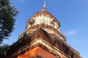 Wat-Lok-Moli-Chiang-Mai-Thailand-03.jpg