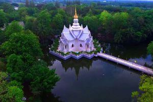 Wat-Luang-Pho-Sot-Thammakayaram-Ratchaburi-Thailand-02.jpg