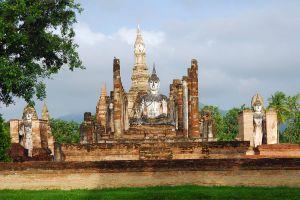 Wat-Mahathat-Sukhothai-Thailand-02.jpg