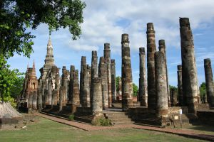 Wat-Mahathat-Sukhothai-Thailand-03.jpg