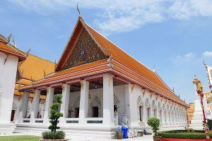 Wat-Mahathat-Yuwaratrangsarit-Ratchaworamahawihan-Bangkok-Thailand-03.jpg