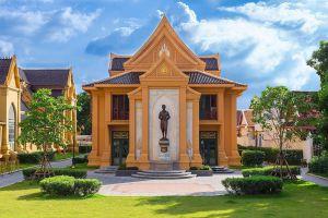 Wat-Mahathat-Yuwaratrangsarit-Ratchaworamahawihan-Bangkok-Thailand-07.jpg