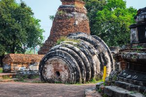 Wat-Maheyong-Ayutthaya-Thailand-06.jpg