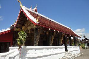 Wat-Mai-Suwannaphumaham-Luang-Prabang-Laos-001.jpg