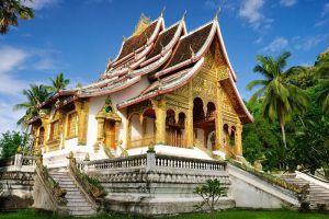 Wat-Mai-Suwannaphumaham-Luang-Prabang-Laos-002.jpg