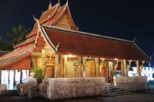 Wat-Mai-Suwannaphumaham-Luang-Prabang-Laos-004.jpg