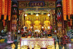 Wat-Mangkon-Buppharam-Chanthaburi-Thailand-03.jpg