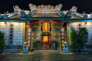 Wat-Mangkon-Kamalawat-Leng-Noei-Yi-Temple-Bangkok-Thailand-06.jpg