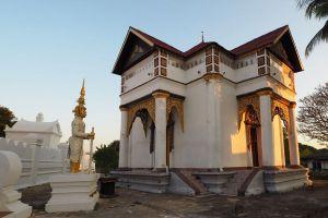 Wat-Mon-Pu-Yak-Santhan-Lampang-Thailand-05.jpg