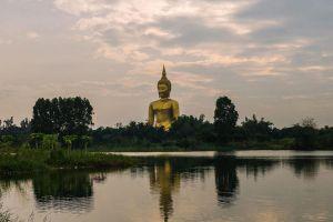 Wat-Muang-Ang-Thong-Thailand-02.jpg