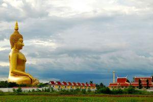 Wat-Muang-Ang-Thong-Thailand-06.jpg