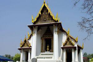 Wat-Na-Phramen-Ayutthaya-Thailand-001.jpg
