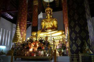Wat-Na-Phramen-Ayutthaya-Thailand-002.jpg