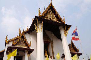 Wat-Na-Phramen-Ayutthaya-Thailand-003.jpg