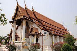 Wat-Na-Phramen-Ayutthaya-Thailand-005.jpg