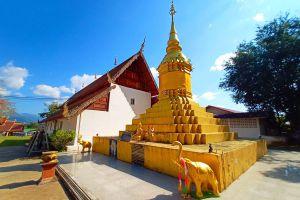 Wat-Nam-Hu-Mae-Hong-Son-Thailand-02.jpg
