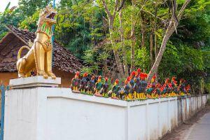 Wat-Nam-Hu-Mae-Hong-Son-Thailand-05.jpg