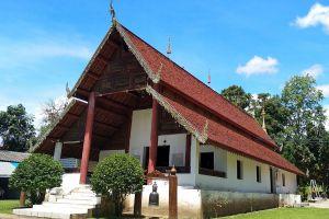 Wat-Nam-Hu-Mae-Hong-Son-Thailand-06.jpg