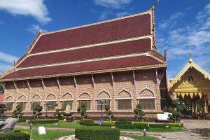 Wat-Neramit-Wipatsana-Loei-Thailand-04.jpg
