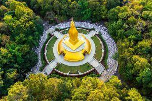Wat-Nong-Pa-Phong-Ubon-Ratchathani-Thailand-01.jpg