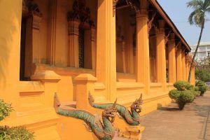 Wat-Ong-Teu-Mahawihan-Vientiane-Laos-004.jpg