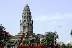 Wat-Ounalom-Phnom-Penh-Cambodia-003.jpg