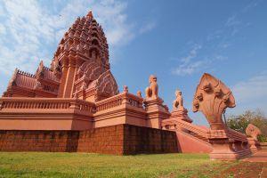 Wat-Pa-Khao-Noi-Buriram-Thailand-005.jpg