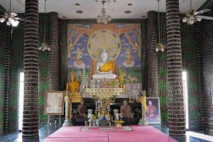 Wat-Pa-Maha-Chedi-Kaew-Lan-Khuad-Temple-Sisaket-Thailand-07.jpg