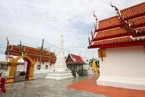 Wat-Pa-Mok-Worawihan-Ang-Thong-Thailand-03.jpg