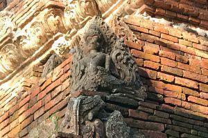 Wat-Pa-Sak-Chiang-Rai-Thailand-02.jpg