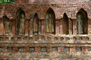 Wat-Pa-Sak-Chiang-Rai-Thailand-05.jpg