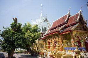 Wat-Pa-Sang-Ngam-Lamphun-Thailand-04.jpg