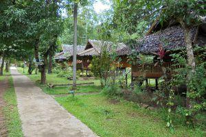 Wat-Pa-Tam-Wua-Forest-Monastery-Mae-Hong-Son-Thailand-06.jpg