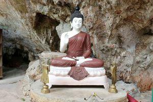 Wat-Pa-Tam-Wua-Forest-Monastery-Mae-Hong-Son-Thailand-07.jpg