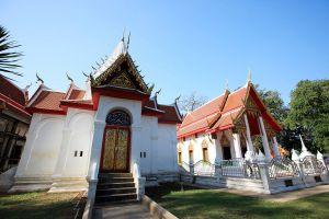 Wat-Pak-Khlong-Makham-Thao-Luang-Pu-Suk-Temple-Chainat-Thailand-01.jpg