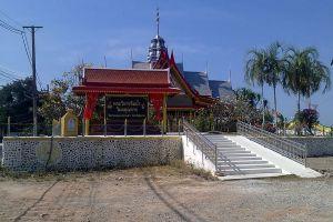 Wat-Pak-Khlong-Makham-Thao-Luang-Pu-Suk-Temple-Chainat-Thailand-03.jpg