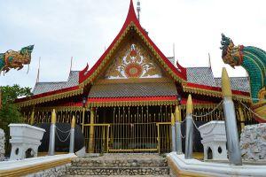 Wat-Pak-Khlong-Makham-Thao-Luang-Pu-Suk-Temple-Chainat-Thailand-06.jpg