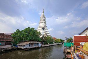 Wat-Paknam-Phasi-Charoen-Bangkok-Thailand-02.jpg