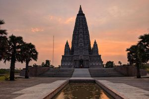 Wat-Panyanantaram-Pathumthani-Thailand-04.jpg