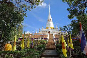 Wat-Pha-Kho-Songkhla-Thailand-05.jpg