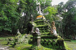 Wat-Pha-Lat-Chiang-Mai-Thailand-01.jpg