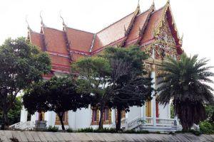 Wat-Phai-Lom-Chanthaburi-Thailand-001.jpg