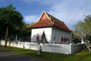 Wat-Phai-Lom-Pathumthani-Thailand-03.jpg