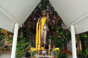 Wat-Phai-Lom-Pathumthani-Thailand-05.jpg