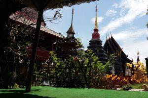 Wat-Phan-Tao-Chiang-Mai-Thailand-004.jpg