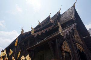 Wat-Phan-Tao-Chiang-Mai-Thailand-005.jpg