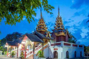 Wat-Phiphat-Mongkhon-Sukhothai-Thailand-05.jpg