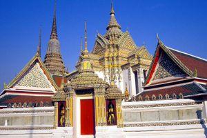 Wat-Pho-Bangkok-Thailand-002.jpg