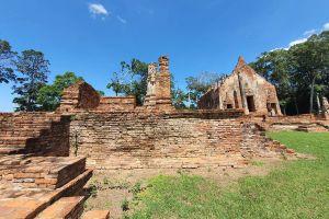 Wat-Pho-Prathap-Chang-Phichit-Thailand-04.jpg